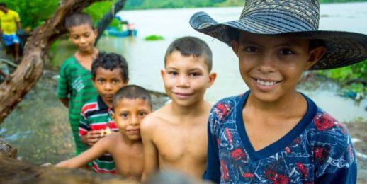 Coca-Cola FEMSA en alianza por la educación integral y de calidad para niños de la Mojana Sucreña, Colombia.